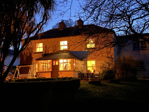 Ballyknocken-bb-Guesthouse-hotel-night